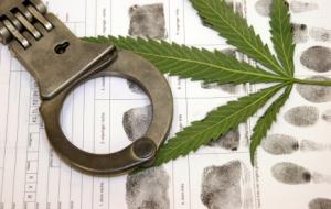 marijuana-handcuffs-eb